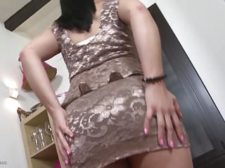 Rss sex feeds Naughty milf feeding pussy with several toys