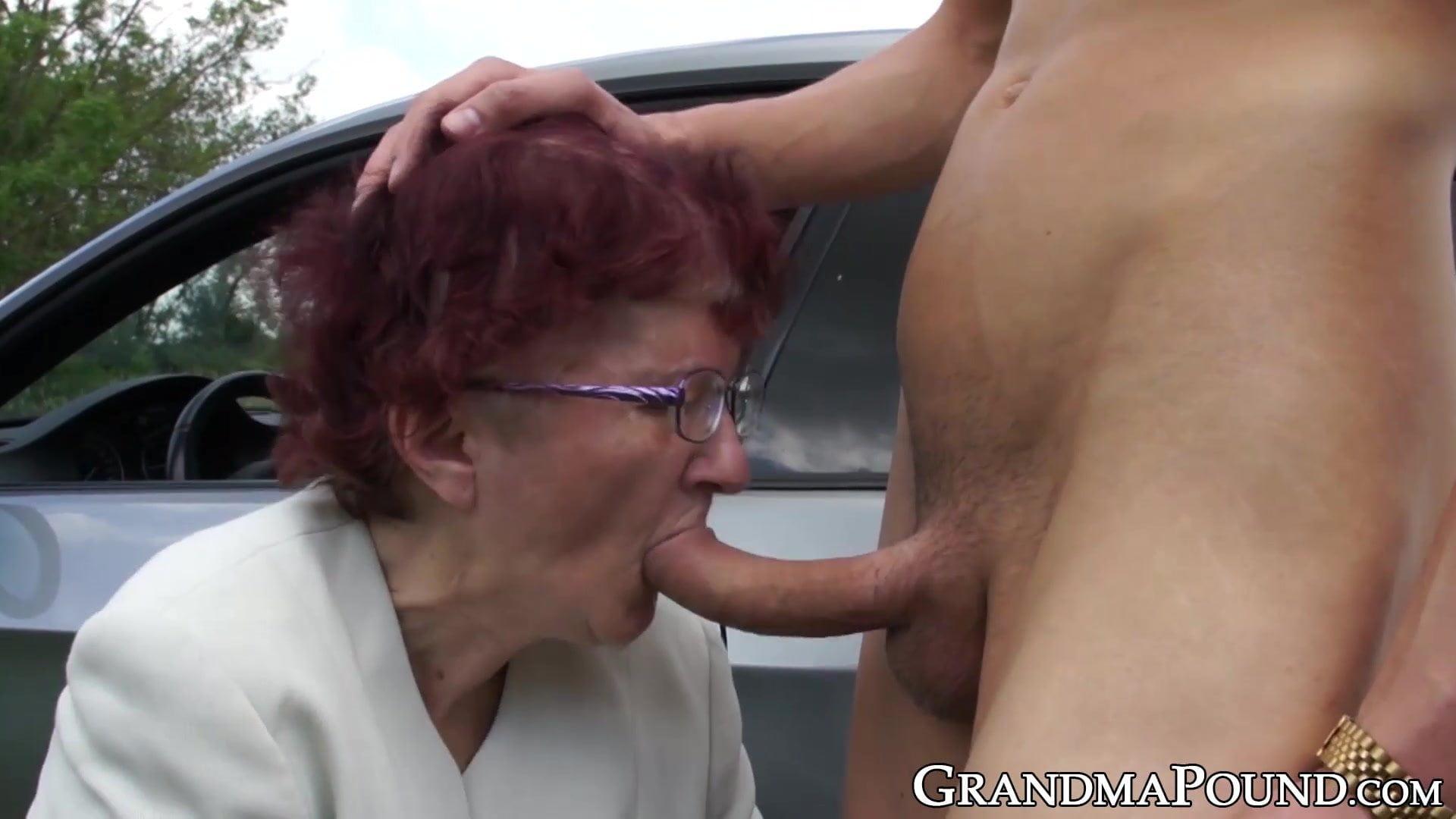Granny suck off