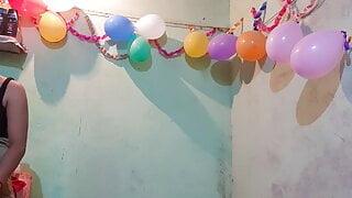 Puja ne birthday par Padosi se Khub chudwai Ghar per koi nah