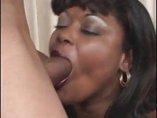 Black milf videios Fat black milf take a deep anal fuck and cumshot