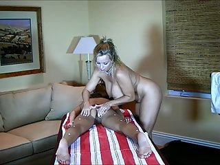 Lesbian massages videos - A good fingering pussy massage