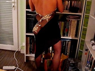 Women that go to strip clubs - Lisa gets ready to go out in a libertine club