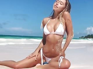 Girls in white bikini Alexis ren in white bikini on the beach