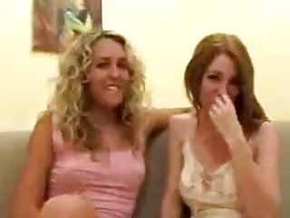 First time lesbian over 18 - Reale- primo rapporto lesbico-real first time lesbo relation