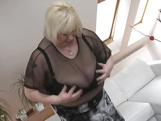 Busty mom sucks son Big busty mom halina fucks small young son