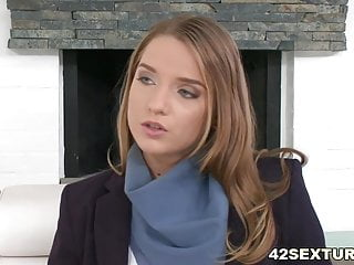Pro-pilot escort - Sofi goldfinger rides the pilots dick anally