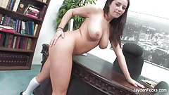 Busty Taylor Vixen fingers her wet pussy in the of