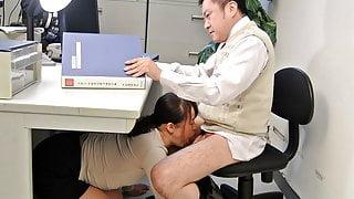 Japanese student, Sayaka Aishiro gives blowjobs to her profe