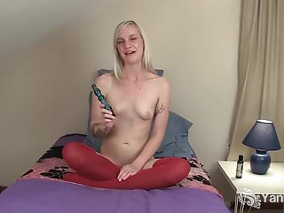 Free trimmed pussy pic - Tattooed ari toying her trimmed pussy