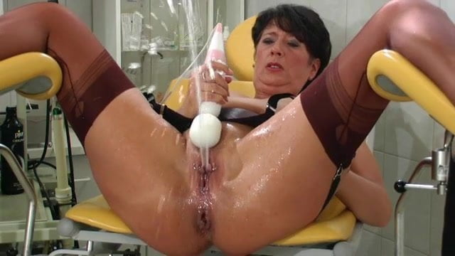 Old Ladies Squirt Porn Clips