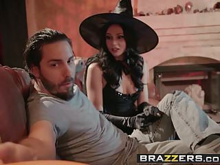 Lesbian with dicks fiction stories Brazzers - real wife stories - dick or treat scene starring
