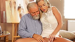 OLD4K. Enticing blonde with ease seduces her old geography..