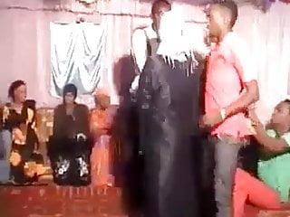 Grinding sluts - Hijabi slut dancing and grinding