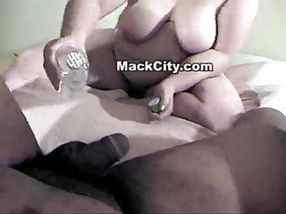 U suck my balls - She sucked my balls.
