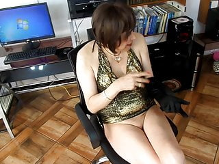 How to practice anal sex on yourself - Beautiful secretary issued by her head practice anal sex