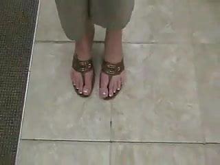 Plump fetish sex Super plump juicy big toes on size 8.5 feet