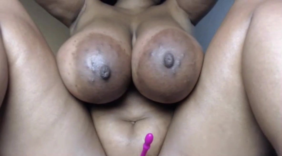 Big Tits Bouncing Dildo Pawg