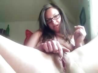 Girls pussys - Mature fingers her wet pussy