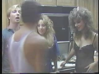 Nude plump rumps - Rump humpers 1986