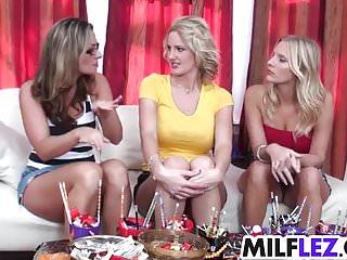 Nextdoor milf gallery 5 - Lesbian pussy eating candy fest
