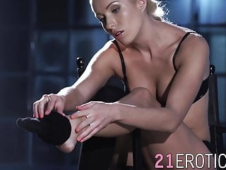 Gray hair fuck - Blonde angelika grays has cum on feet after fucking