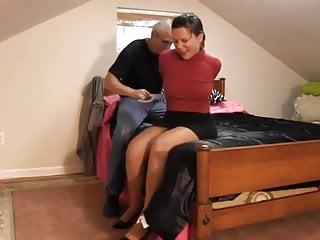 Bedroom bondage passwords - Red shirt woman in bedroom
