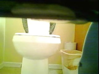 Teen tampon video Hot step-daughter peeing on toilet and changing tampon
