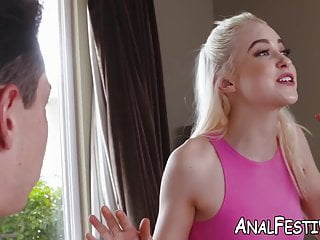 Sexy bubble butts share cock Young chloe cherry shares cock with bubble butt milf