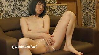 Gattina Michael striptease #3