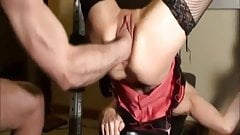 Amateur wife fisted in her gaping snatch
