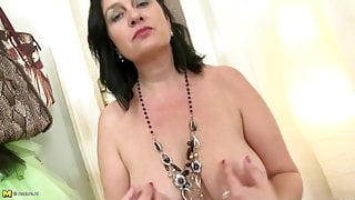 Awesome real step mom with sexy body and thirsty vagina