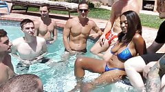 Ebony Daya Knight Sucks And Deepthroats Multiple Cocks