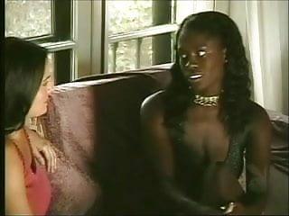 Lesbian tongue free pics Interracial lesbian tongue fucking from 7lives xposed