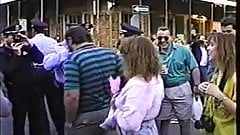 mardi gras flasher lets everyone see