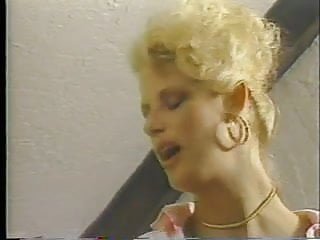 Vintage avon prices - Chanel price blonde on the run 1985