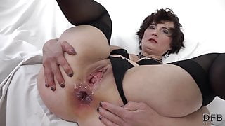 Interracial fuck for granny that wants anal sex and pussy