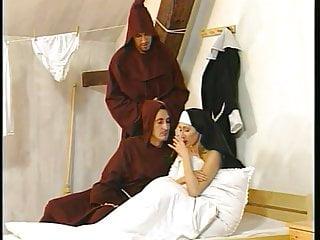 None nude image board - Deux nones et deux moines