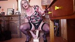 Hannah Buttlegs sitting on giant dildo showing fat asspussy