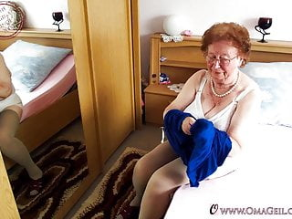 Nude grannies with hairy ass - Omageil pictures with nude grannies and sextoy