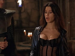 Jolie beowulf sexy - Rhona mitra - beowulf 02