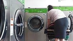 Mature latina at the laundromat vpl pt.2