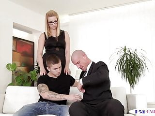 Dickriding fuck Dickriding hunk cocksucked by spex babe