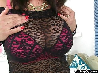 Lulu ass British milf lulu fucks a dildo