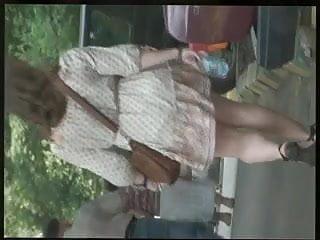 Mini faldas porno - Upskirt 04 pantyhun 04 moscow 2013 upskirt. bajo faldas