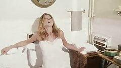 Jenifer Aniston Bathroom Orgasm