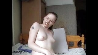 she loves to play with her wet pussy 040315
