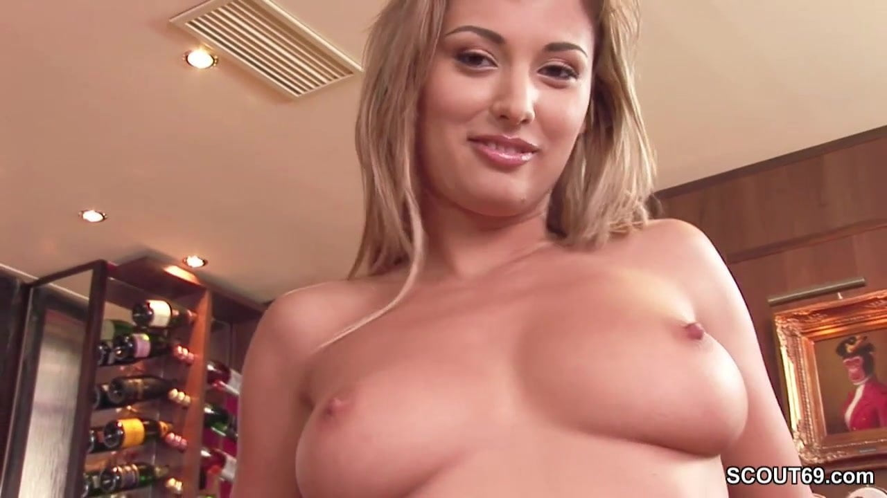 Mjores Milf Del Porno Actual perfect milf in real porn casting with anal dp and facial