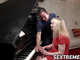 Naked man playing a sheet piano Piano playing nanney facialized after passionate cowgirl