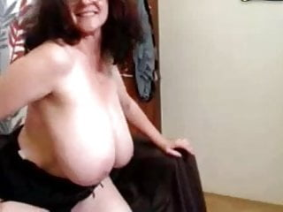Old mature galley - Old mature with huge saggy natural hangers - pussy