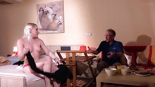 Oldman John fuck beautiful blonde from room service
